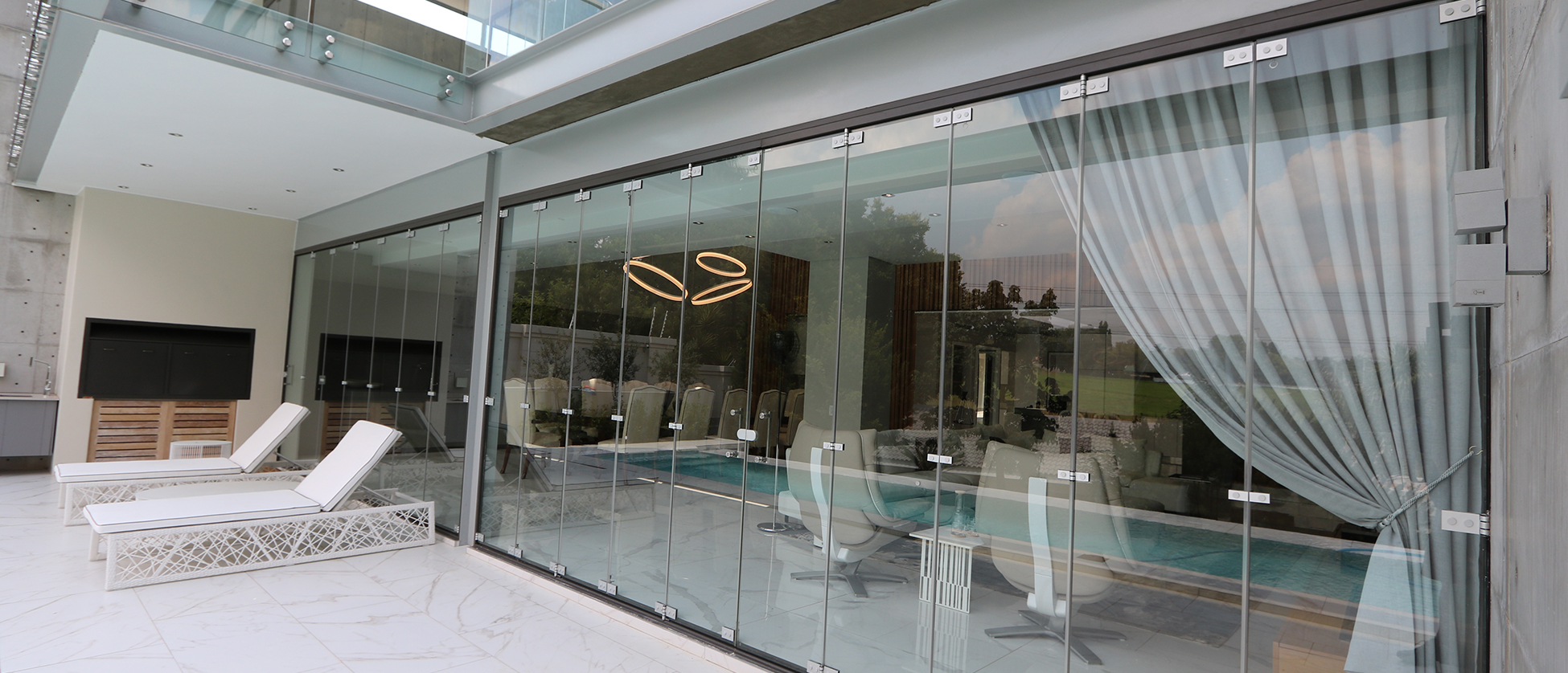 Majestic frameless glass doors